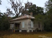 An old house sits alone and dreary in White Springs