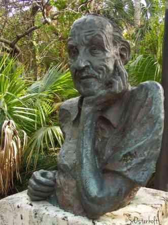 Statue of John D. MacArthur